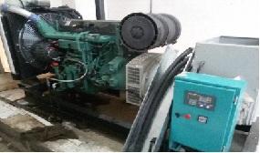 دیزل ژنراتور ولوو 450KVA مدل VOLVO TAD 1343 GE و تابلو برق چنج آور و برد کنترلی کومپ AMF25 و اجرای اگزاست و دمپر هوای سرد و گرم و نصب مخزن گازوئیل و پمپ گازوئیل