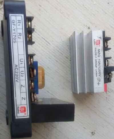 رگولاتور ولتاژ ژنراتور زغالی 10 آمپر